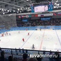 Глава Тувы Шолбан Кара-оол присутствовал на финале хоккейного турнира Универсиады