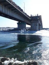Министр дорожно-транспортного комплекса Тувы проинспектировал ход строительства Коммунального моста