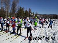Олег Саяты стал победителем межрегионального 50-километрового лыжного марафона в поддержку снежного барса