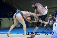 Тувинские сумоисты завоевали три золотых медали на Чемпионате России