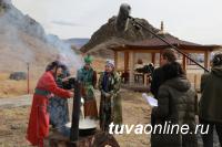 """Телеканал """"Мир"""" проводит в Туве съемки традиционной тувинской свадьбы"""