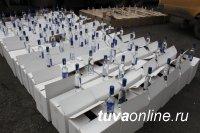 Житель Хакасии пытался ввезти в Туву без документов более 4 тонн спиртосодержащей продукции, в том числе 3200 флаконов боярышника