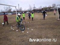 В Тандинском районе Тувы лучшие юные инспекторы дорожного движения учатся в Бай-Хааке