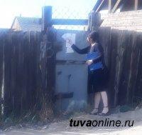 Контрольный орган Мэрии Кызыла выявил в ходе рейда на Левобережных дачах 8 торговых точек без контейнеров и урн, 7 самовольных построек