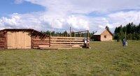 В Тес-Хемском районе Тувы завершают строительство зимних домиков и кошар