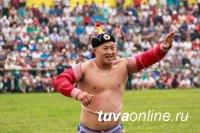 Победителем главных соревнований по борьбе хуреш стал Сылдыс Монгуш