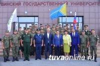 Глава Тувы поздравил первых выпускников военной кафедры ТГУ