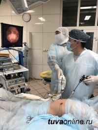 Тува: Хирурги Республиканской больницы номер один провели сложную операцию с помощью ультразвукового скальпеля