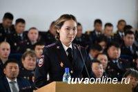 Глава Тувы Шолбан Кара-оол поздравил молодых офицеров с началом службы на тувинской земле