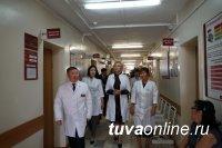 Кызыл: Первый замминистра здравоохранения России побывала в консультативно-диагностической поликлинике Ресбольницы