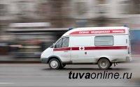 В Туве мужчина плеснул кипятком в жену, а попал в годовалую девочку