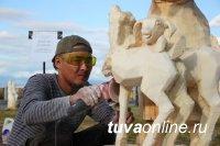 Монгун-Тайгинский мастер Аганак Донгак победитель Республиканского конкурса деревянной скульптуры
