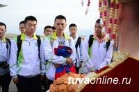 В Кызылское президентское училище прибыла делегация школьников из Китая