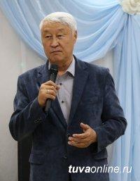 Кан-оол Даваа поздравил с юбилеем ветерана исполнительных и партийных органов власти республики Аваа Чигжитовича Монгуша