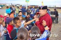 Центр тувинской культуры провел для детей Левобережных и Правобережных дач праздник национальных игр и конкурсов