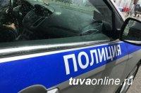 Сотрудники ГИБДД Кызыла задержали нетрезвого водителя, который находился за рулем похищенной автомашины