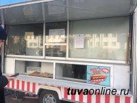 Мэрия разыскивает самовольных владельцев двух павильонов в центре Кызыла
