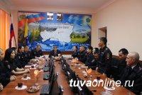 В МВД Тувы состоялось чествование сотрудников, активно принимающих участие в спортивной и творческой жизни ведомства