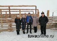 В Туве министр экономики Елена Каратаева проверяет прохождение зимы на стоянках новоиспеченных кыштаговцев