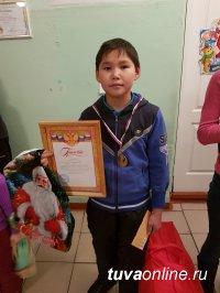 В Туве, в родном городе Сергея Шойгу в соревнованиях по шахматам победил семиклассник из Хайыракана Чаян Камаа