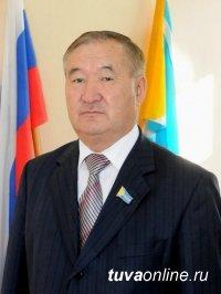 Председатель Совета Отцов Тувы поддержал президентские поправки в Конституцию о языках