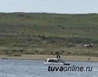 В Туве женщина, «искупавшая» машину в целебном озере Дус-Холь, заплатила за это в тройном размере