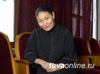 День рождения отмечает художественный руководитель ансамбля «Саяны» Аяна Монгуш