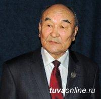 Мастеру тувинской сцены Александру Халарбаевичу Салчаку 71 год!