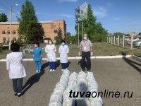 В Туве депутаты парламента ежемесячно собирают деньги для нуждающихся в пандемию COVID-19 земляков