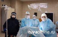 Кызыл: врачи провели операцию у больной COVID-19