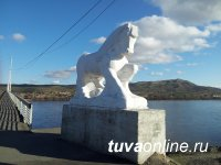 На Коммунальном мосту в Кызыле заменят коней