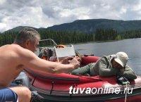 Шойгу сфотографировал уснувшего главу Тувы