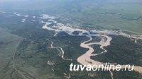 В пострадавшей от паводка Туве при помощи вертолета эвакуированы отрезанные водой 7 жителей республики