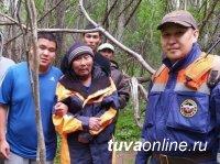 В Тандинском кожууне Тувы спасатели нашли заблудившегося в лесу мужчину