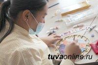 Cтудентка ТувГУ c «Передвижной школой ремесел» отправилась в отдаленные районы Тувы