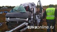 Микроавтобус с 17 пассажирами, следовавшими из Томска в Кызыл, опрокинулся в кювет