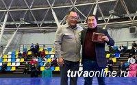 Тренеру из Якутии присвоили звание заслуженного работника Республики Тыва