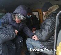 В Туве выпивох, впавших в обморок на улице, спасают от мороза