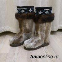 В Кызыле пенсионерка забыла запереть тамбур, откуда украли дорогие унты