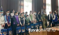 В Туве 500 школьников получили новогодние подарки депутата Государственной Думы Ларисы Шойгу