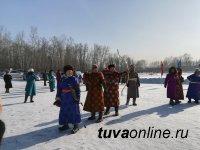 Тува: Айдын Хомушку из Бай-Тайги стал победителем в турнире по стрельбе из традиционного лука
