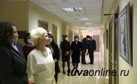 В Совете Федерации проходит выставка пейзажей П. Еськова «Светлый день»