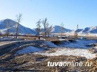 Основная автодорога на запад Тувы продолжает обновляться
