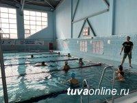 В Туве «Единая Россия» запустила для пожилых граждан бесплатные курсы по плаванию