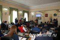 В Туве министр МВД ознакомил парламентариев с итогами деятельности ведомства в 2020 году