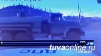 В Туве пьяный водитель районной администрации наехал на автомобиль автопатруля