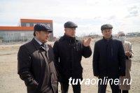 Владислав Ховалыг посетил агропромышленный и индустриальный парки