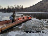В Тодже заработала лодочная переправа. Не забываем про спасательные жилеты