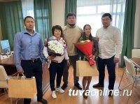 Субудай Монгуш встретился с победительницей Первенства России по женской борьбе Чойганой Тумат