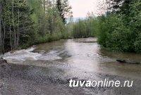 На федеральной трассе Р-257 ночью до 7 утра в связи с подъемом воды в реках Усс и Араданка было перекрыто движение